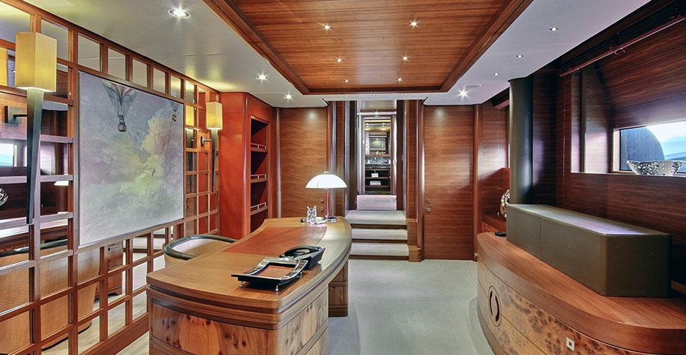 Photo of Balista interior