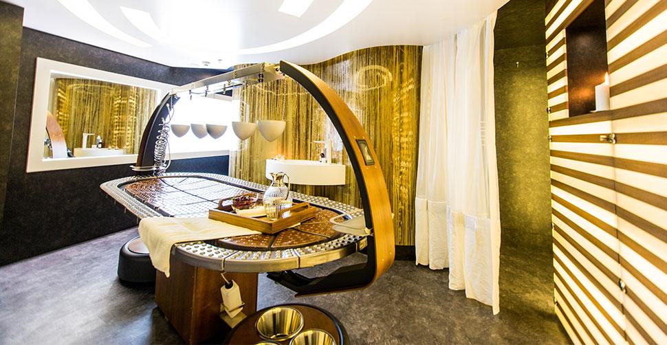 Photo of SALUZI interior